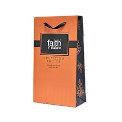 Faith in nature Gaveæske Uplifting Shower 2 x 250 ml Grape/Orange, Hindbær/Tranebær, 1 pk.